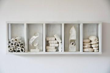 Gedächtnisraum, 21 x 63 x 6 cm, Holz, Japanpapier aus Kozo, Abformungen, Draht, Faden, Tusche, 2010